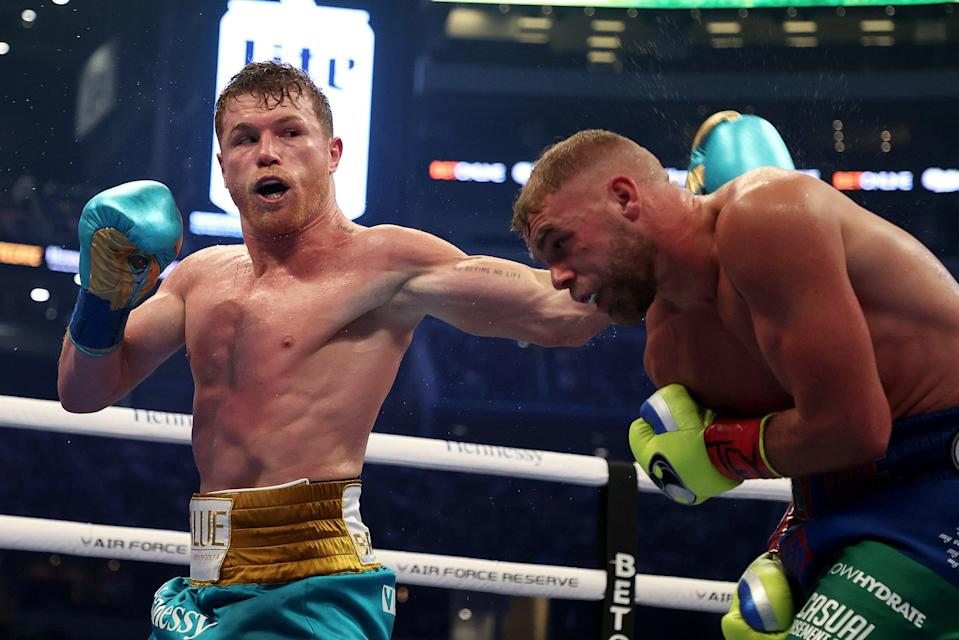 <p>Billy Joe Saunders suffered his first defeat against Canelo Alvarez in Arlington, Texas</p> (Getty Images)