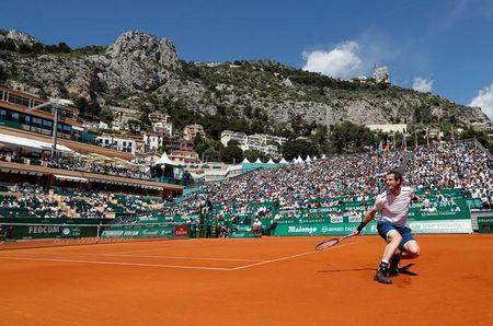 Tennis - Monte Carlo Masters - Monaco, 19/04/2017. Andy Murray of Britain plays a shot to Gilles Muller of Luxemburg.     REUTERS/Eric Gaillard