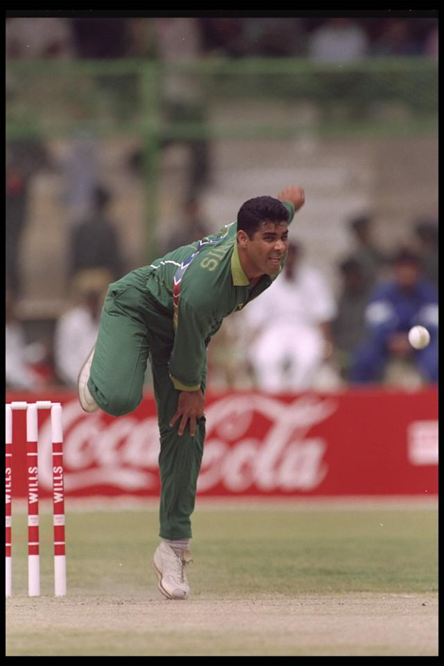 29 Feb 1996:  Waqar Younis of Pakistan in action in the game against South Africa during the cricket world cup in Karachi, Pakistan.
