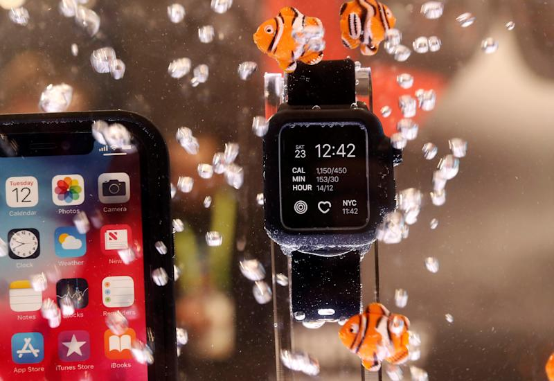 An Apple Watch Series 4 is shown submerged in a Catalyst waterproof case during the 2019 CES in Las Vegas, Nevada, U.S. January 9, 2019. REUTERS/Steve Marcus