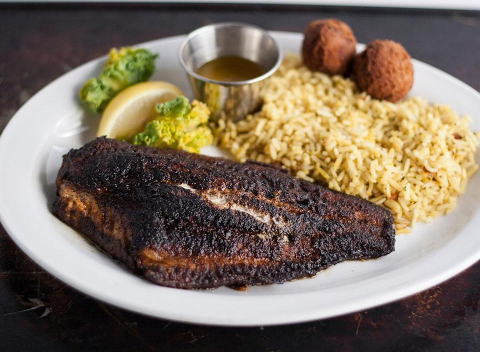 blackened catfish dinner plate