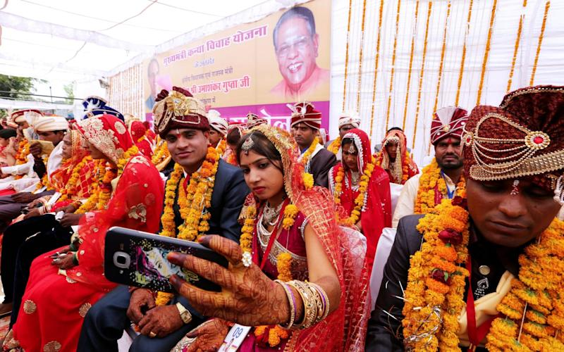 Mass wedding at Akshaya Tritiya festival in Bhopal - EPA