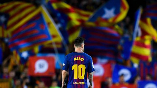 Lionel Messi Barcelona Catalan flags 2017