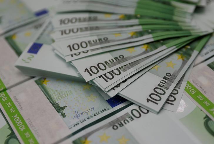 File Photo 100 Euro Banknotes Are Seen At The Money Service Austria Company S Headquarters In