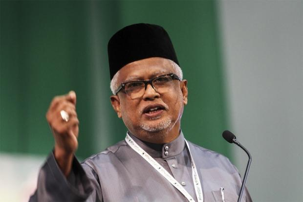 Pokok Sena MP Datuk Mahfuz Omar (pic) reasoned that the recent statement made by PAS Youth Chief Nik Abduh Nik Aziz supporting Najib was detrimental to public support. — Picture by Yusof Mat Isa