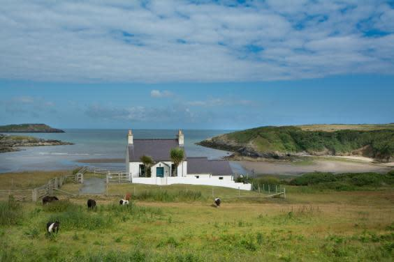 Tywyn Cottage is situated in an Area of Outstanding Natural Beauty (National Trust)