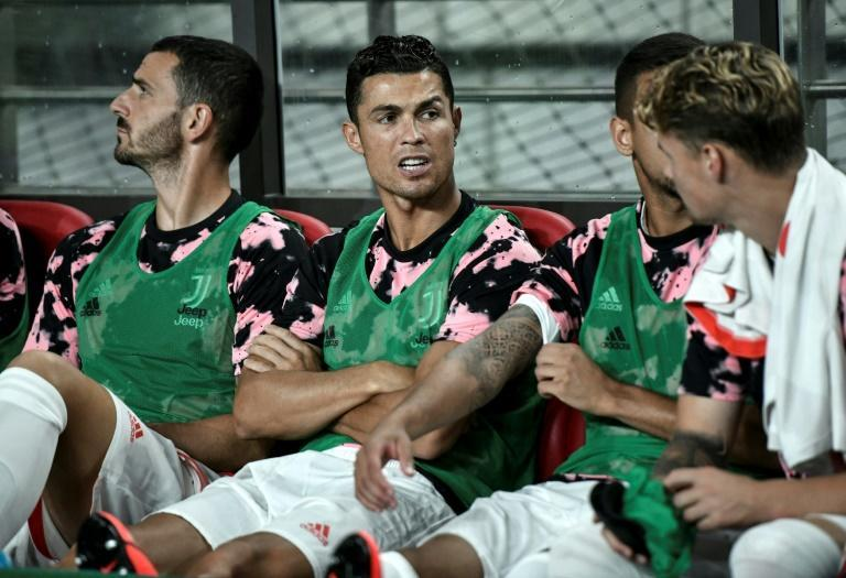 Cristiano Ronaldo (C) stayed on the bench during the exhibition match in Seoul last year