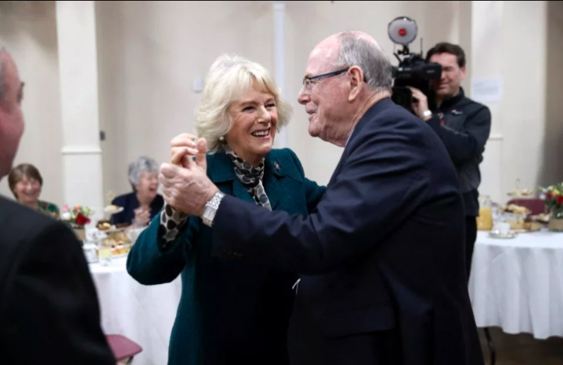 Arthur Edwards dancing with Camilla. Photo: Getty Images