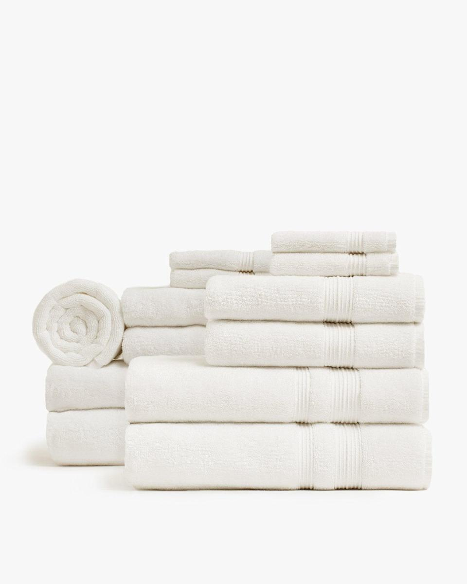 """<h2>Parachute Starter Towel Bundle</h2><br>Nothing says organized like luxe matching towels in every bathroom.<br><br><strong>Parachute Home</strong> Classic Starter Bathroom Bundle, $, available at <a href=""""https://go.skimresources.com/?id=30283X879131&url=https%3A%2F%2Fwww.parachutehome.com%2Fproducts%2Fstarter-bathroom-bundle%3Fopt-color-towel%3Dstone"""" rel=""""nofollow noopener"""" target=""""_blank"""" data-ylk=""""slk:Parachute Home"""" class=""""link rapid-noclick-resp"""">Parachute Home</a>"""