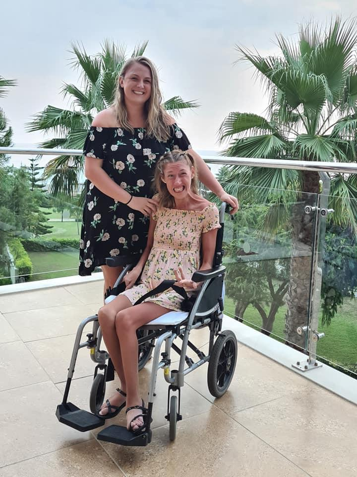 hannah and becky cheetham alton towers open letter