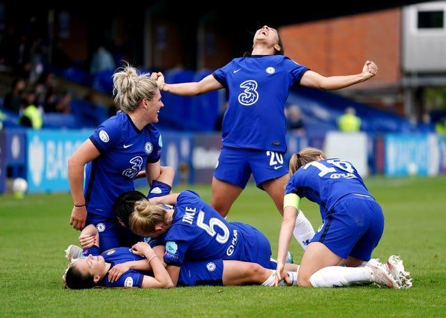 Chelsea celebrate reaching the Women's Champions League final