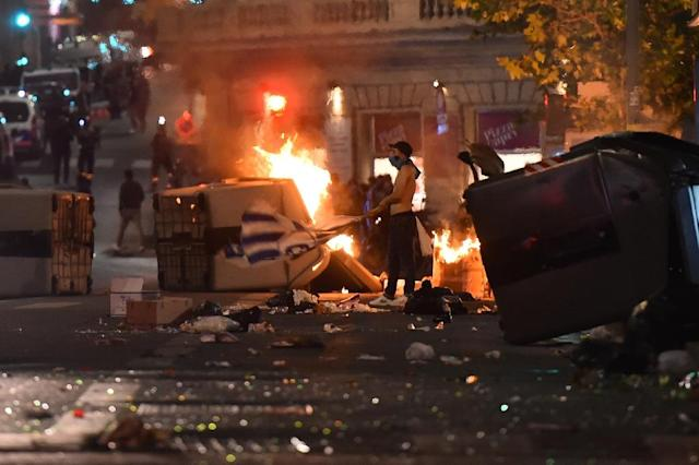 Olympique de Marseille's fans riot in the Vieux Port in Marseille after the 2018 UEFA Europa Cup Final (AFP Photo/Bertrand LANGLOIS )