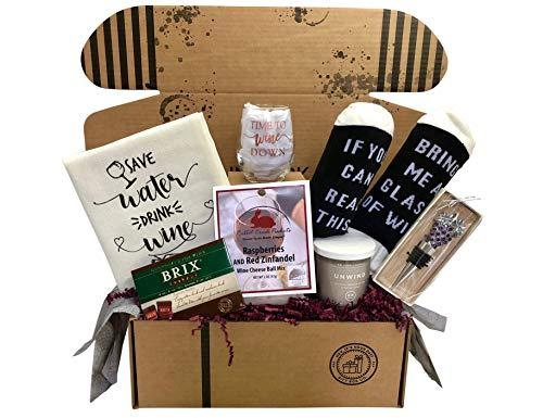 Wine Lovers Perfect Gift Box (Amazon / Amazon)