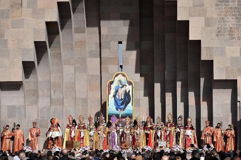 Clerics take part in the canonisation ceremony in Echmiadzin, outside Yerevan, on April 23, 2015 (AFP Photo/Kirill Kudryavtsev)