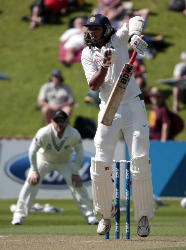India's Ishant Sharma plays a shot during the first innings on day two of the second international test cricket match against New Zealand at the Basin Reserve in Wellington, February 15, 2014. REUTERS/Anthony Phelps (NEW ZEALAND - Tags: SPORT CRICKET)