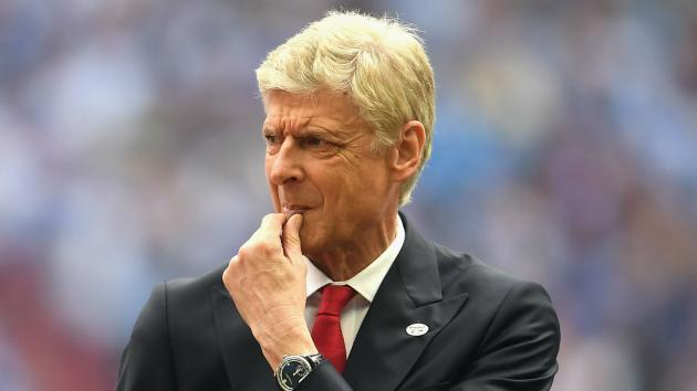 Arsene Wenger hints Man United should not be in the Champions League