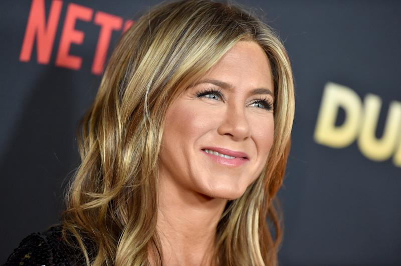 Jennifer Aniston's beauty favorites are more affordable than you'd think. (Photo: Getty Images)