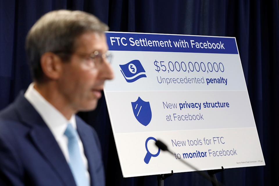 Federal Trade Commission (FTC) Chairman Joe Simons announces that Facebook Inc has agreed to a settlement of allegations it mishandled user privacy during a news conference at FTC Headquarters in Washington, U.S., July 24, 2019. REUTERS/Yuri Gripas