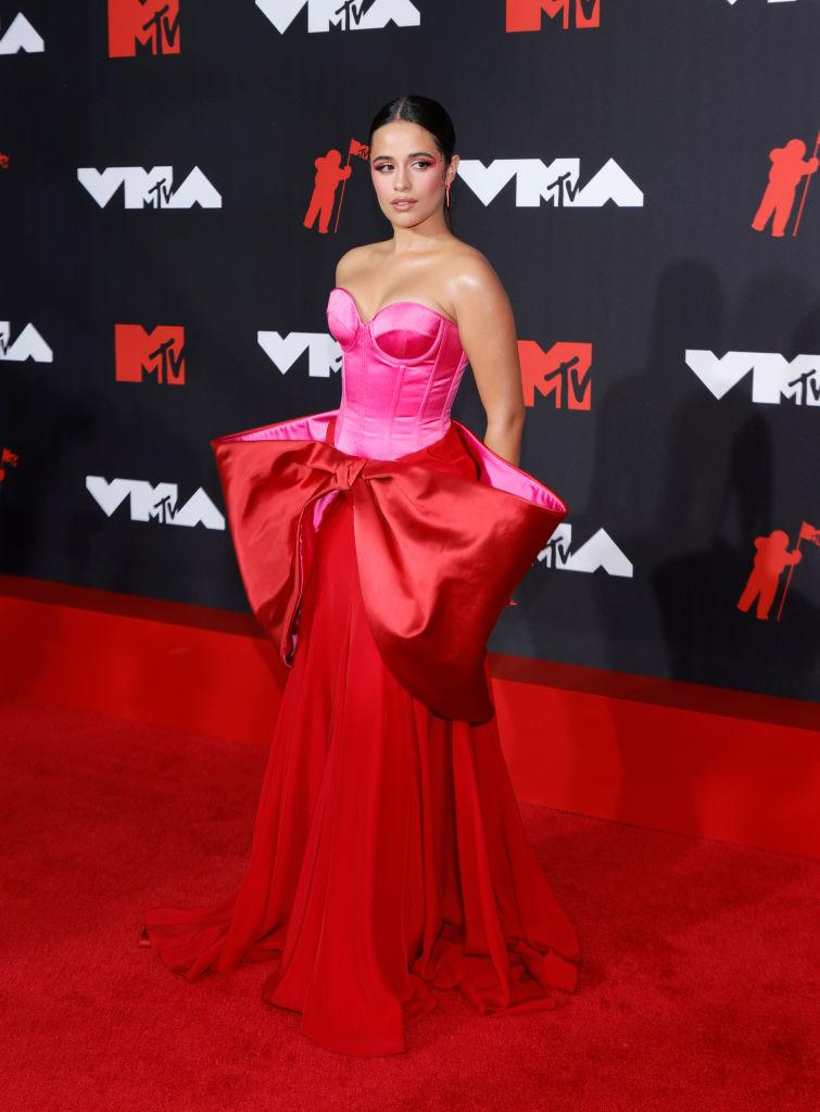 Camila Cabello looked picture perfect in this structured colour pop dress. (Getty Images)