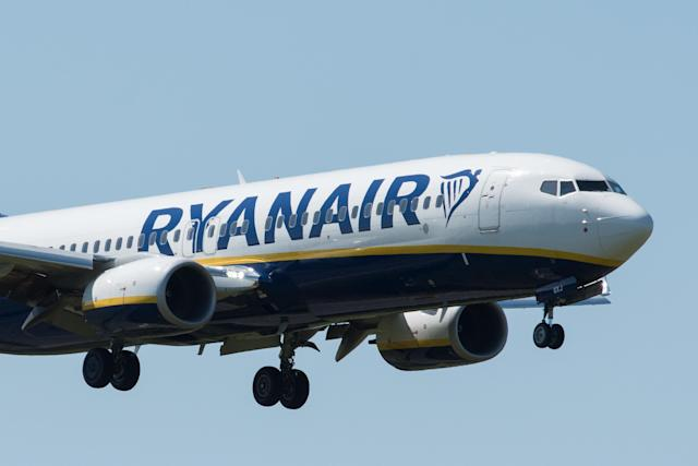 A Ryanair Boeing 737-800 with the tail number E1-GXJ comes into land at London Southend Airport on 5 May, England. (John Keeble/Getty Images)