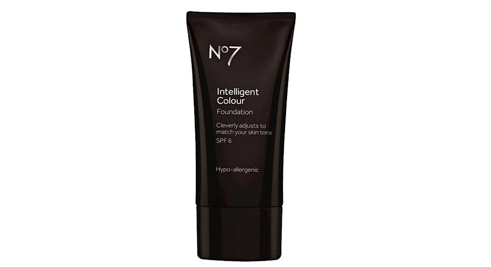 No7 Intelligent Colour Foundation
