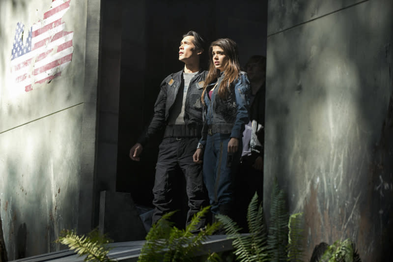 """The 100"" - ""Pilot"" - Bob Morley as Bellamy and Marie Avgeropoulos as Octavia"