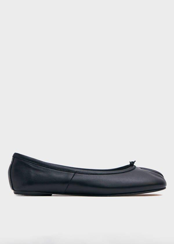 """Give your mom's go-to ballet flats a grunged-up, split-toe update this Mother's Day.<br><br><strong>Maison Margiela</strong> Tabi Ballerina Flat, $, available at <a href=""""https://go.skimresources.com/?id=30283X879131&url=https%3A%2F%2Fneedsupply.com%2Ftabi-ballerina-flat%2F724303.html"""" rel=""""nofollow noopener"""" target=""""_blank"""" data-ylk=""""slk:Need Supply"""" class=""""link rapid-noclick-resp"""">Need Supply</a>"""