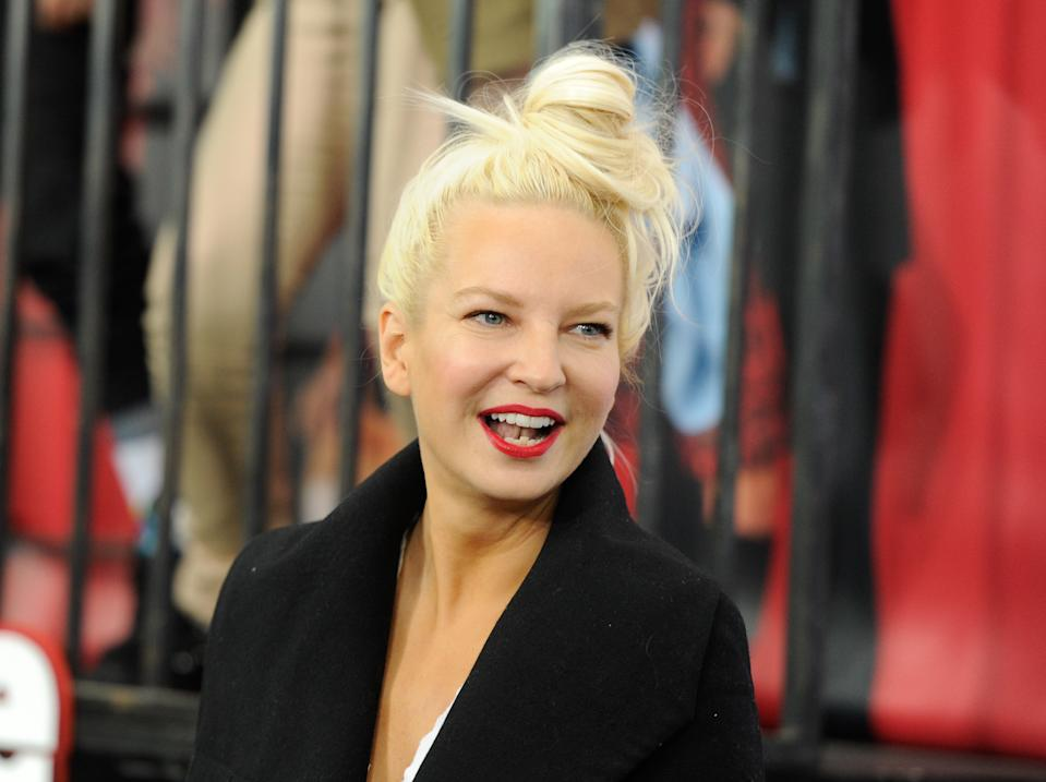 """FILE - In this Dec. 7, 2014 file photo, singer Sia Furler attends the world premiere of """"Annie"""" at the Ziegfeld Theatre in New York. (Photo by Evan Agostini/Invision/AP, File)"""