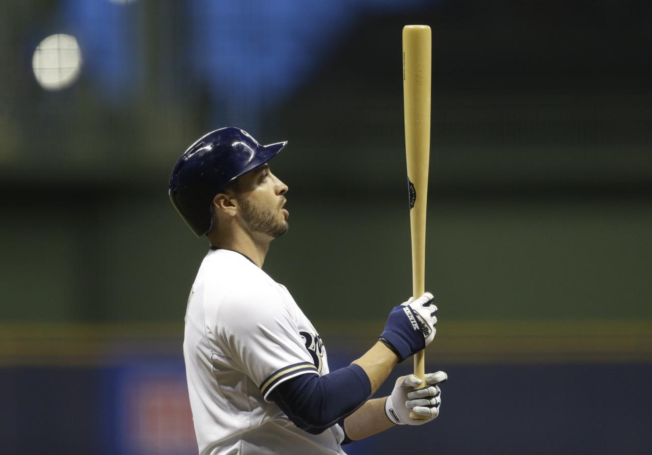 MILWAUKEE, WI - APRIL 1: Ryan Braun #8 of the Milwaukee Brewers prepares to bat against the Atlanta Braves in the first inning of their game at Miller Park on April 1, 2014 in Milwaukee, Wisconsin. (Photo by Jeffrey Phelps/Getty Images)