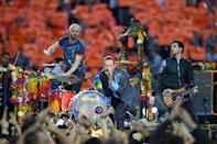 Coldplay performs during Super Bowl 50 in Santa Clara, California February 7, 2016 (AFP Photo/Timothy A. Clary)