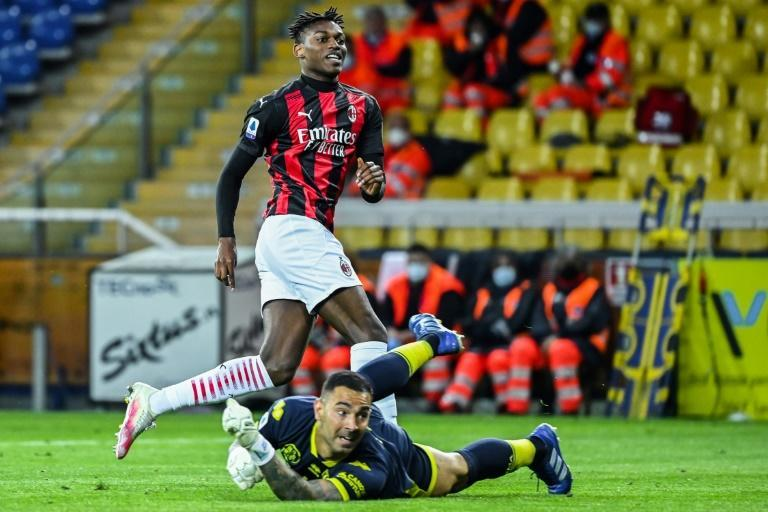 Substitute Rafael Leao scored late for Milan in Parma.