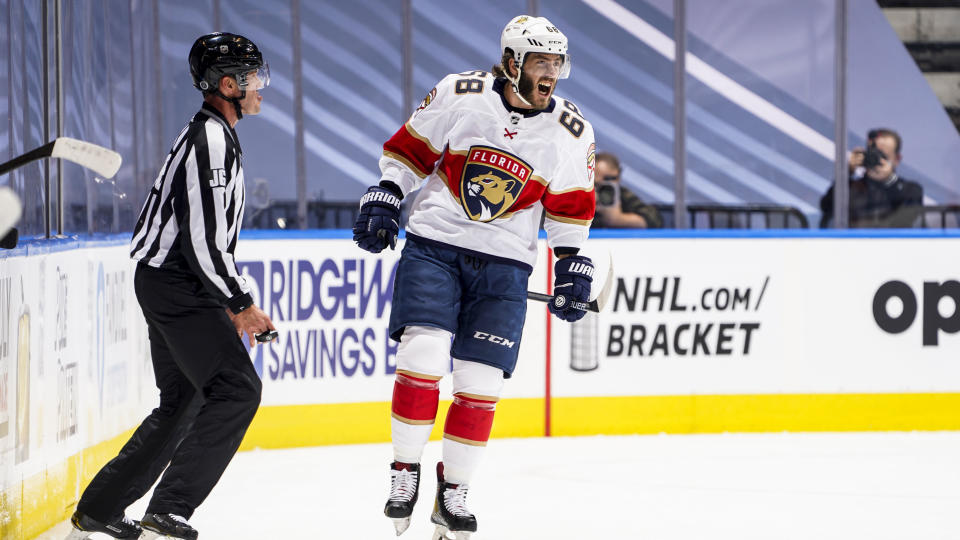 TORONTO, ONTARIO - AUGUST 04: Mike Hoffman #68 of the Florida Panthers celebrates his goal against the New York Islanders during the first period in Game Two of the Eastern Conference Qualification Round at Scotiabank Arena on August 04, 2020 in Toronto, Ontario. (Photo by Mark Blinch/NHLI via Getty Images)