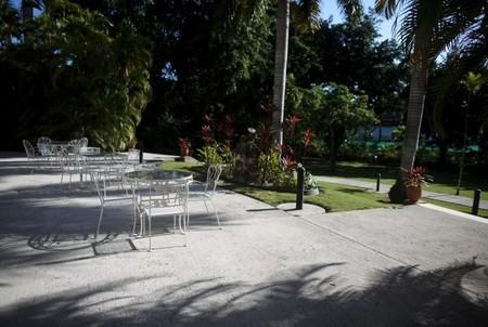 A terrace is seen at the U.S. ambassadorial residence, where U.S. President Barack Obama, first lady Michelle Obama, their daughters Malia and Sasha and the first lady's mother Marian Robinson are scheduled to stay during the first visit by a U.S. president to Cuba in 88 years, in Havana, March 14, 2016.  REUTERS/Alexandre Meneghini