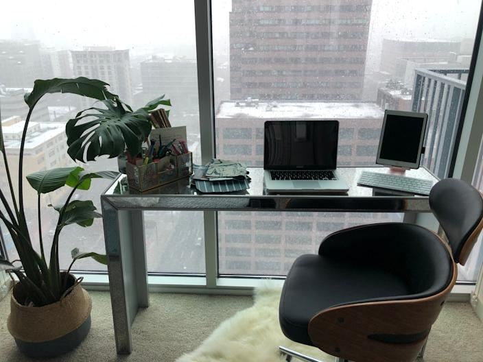 """<h1 class=""""title"""">Keia McSwain's work from home</h1> <div class=""""caption""""> Keia McSwain's home office in Denver </div>"""
