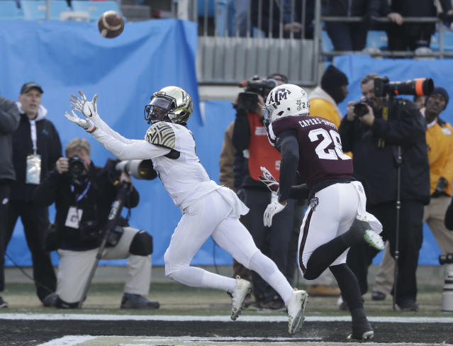 Tabari Hines, a transfer receiver from Wake Forest, is a big addition for Oregon. (AP Photo/Chuck Burton)