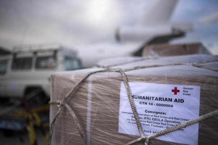 Parts of an Ebola treatment center before being loaded on to an aid plane bound for Sierra Leone at Schoenefeld airport south of Berlin on November 4, 2014 (AFP Photo/Odd Andersen)