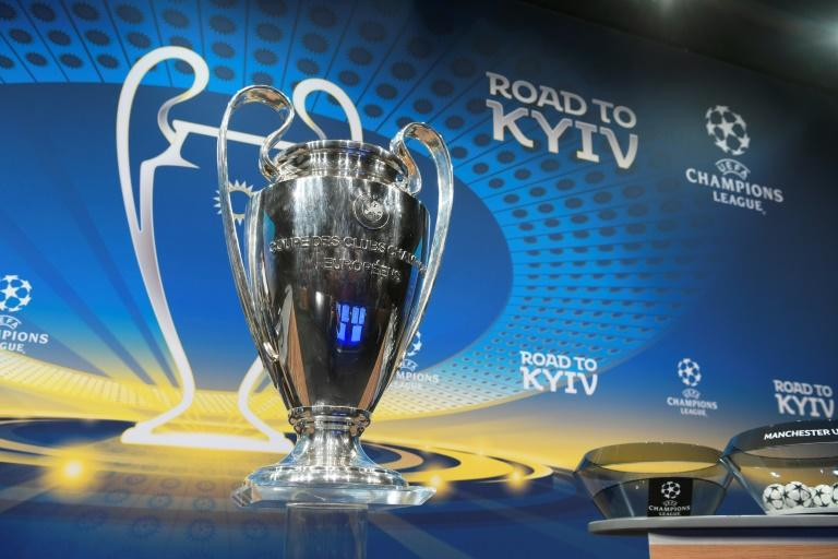 Real Madrid was drawn together with PSG in the tie round in the Champions League last 16