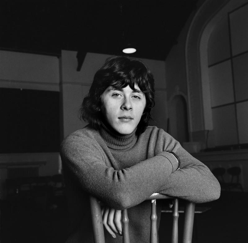 English actor Richard Beckinsale died in 1979. (Photo by George Wilkes/Hulton Archive/Getty Images)