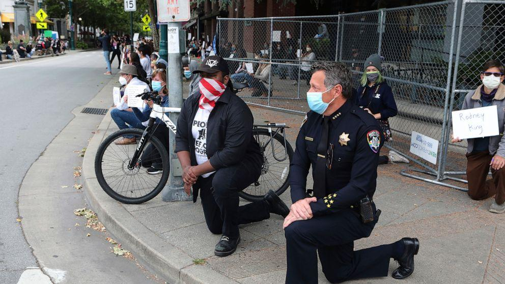 Why some police officers stood with protesters outraged over George Floyd's death (ABC News)