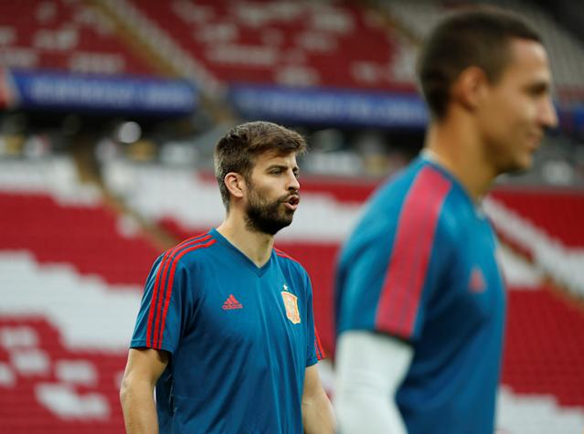 Soccer Football - World Cup - Spain Training - Kazan Arena, Kazan, Russia - June 19, 2018 Spain's Gerard Pique during training REUTERS/John Sibley