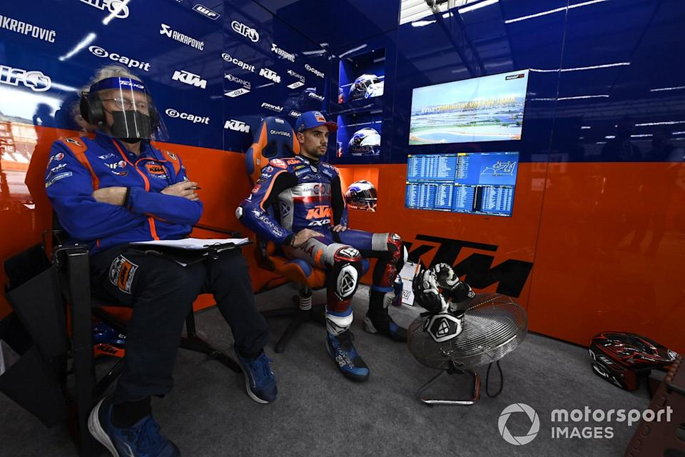"""Miguel Oliveira, Red Bull KTM Tech 3, Guy Coulon, Red Bull KTM Tech 3<span class=""""copyright"""">Gold and Goose / Motorsport Images</span>"""