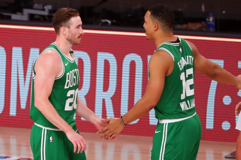 Celtics' Hayward won't leave bubble for baby's birth