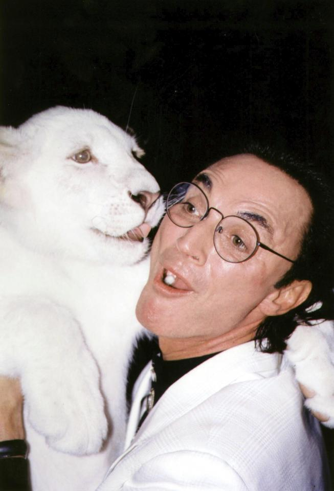FEAT3281 IMAGE 99932811E-SIEGFRIEND AND ROY AT HOLLYWOOD WALK OF FAME, HOLLYWOOD, CA 10/1999 Credit: 07175072Globe / MediaPunch /IPX