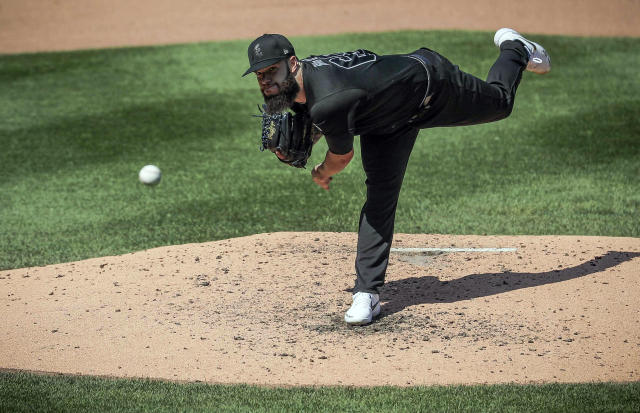 Atlanta Braves pitcher Dallas Keuchel throws during a baseball game against the New York Mets, Sunday Aug. 25, 2019, in New York. (AP Photo/Bebeto Matthews)