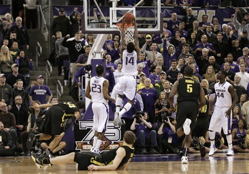 Washington ousts rival Oregon from NIT 90-86
