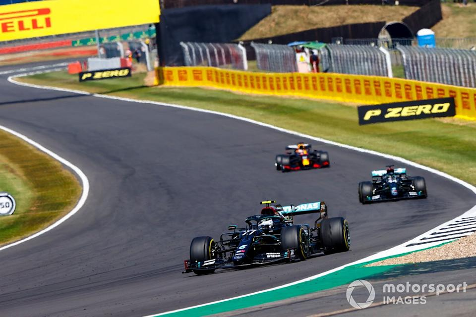 "Valtteri Bottas, Mercedes F1 W11, Lewis Hamilton, Mercedes F1 W11, Max Verstappen, Red Bull Racing RB16<span class=""copyright"">Andy Hone / Motorsport Images</span>"