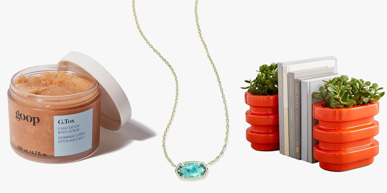 <p>You don't have to be flush with cash to prove you care. Chic gifts <em>do </em>exist under $50, and we did all the heavy present finding for you. We rounded up holiday gifts that look way more expensive than their sticker price, including an edit of delicate jewelry she'll love, a robe that looks like you stole it from a Santorini resort, and the priceless gift of the perfectly lit selfie. Shop our edit of sneaky cheap finds, now. </p>