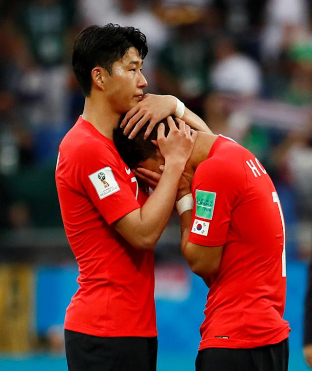 Soccer Football - World Cup - Group F - South Korea vs Mexico - Rostov Arena, Rostov-on-Don, Russia - June 23, 2018 South Korea's Son Heung-min and Hwang Hee-chan look dejected after the match REUTERS/Jason Cairnduff TPX IMAGES OF THE DAY