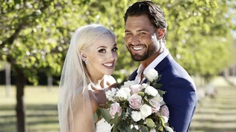 Elizabeth Sobinoff and Sam Ball on their wedding day on Married At First Sight in 2019.