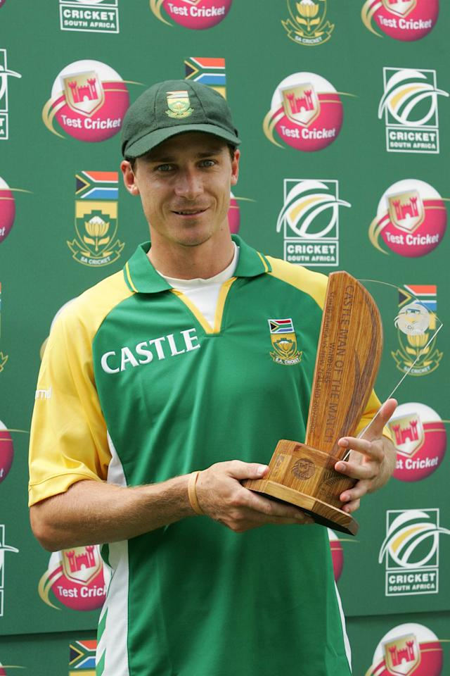 JOHANNESBURG, SOUTH AFRICA - NOVEMBER 11: Dale Steyn recieves the Man of The Match trophy during day four of the 1st test match between South Africa and New Zealand held at the Wanderers Stadium on November 11, 2007 in Johannesburg, South Africa. (Photo by Lee Warren/Gallo Images/Getty Images)
